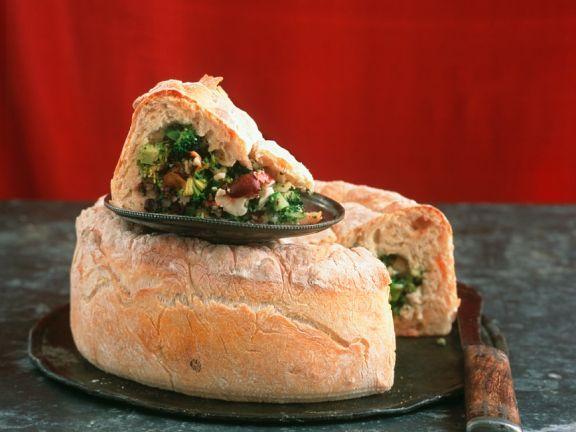 Brot gefüllt mit Gemüse