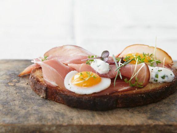 Brot mit Schinken und Ei (Strammer Max)