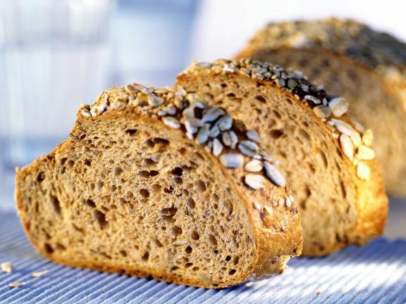 Brot mit Sonnenblumenkernen