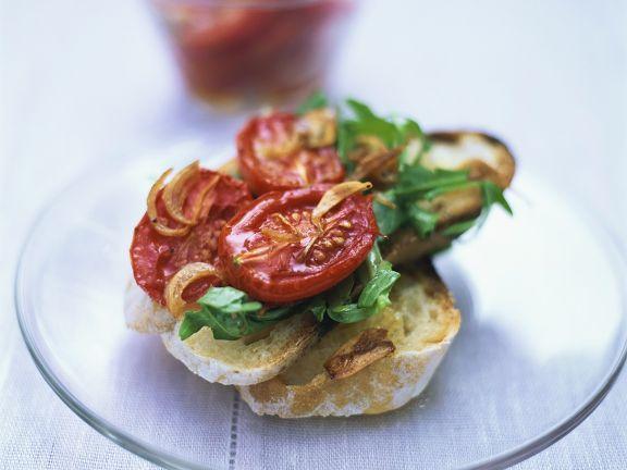 Bruschetta mit Tomaten und Rucola