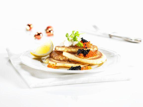 Buchweizenblini mit Kaviar