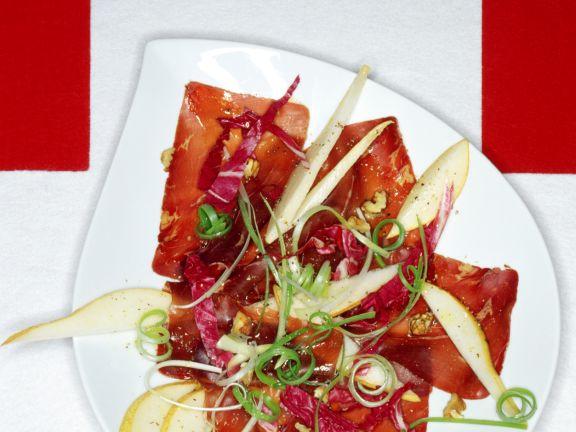 Bündner-Fleisch-Carpaccio mit Birne und Walnüssen