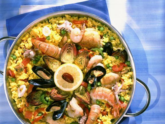 Bunt gemischte Paella