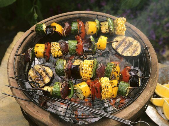 Bunte Gemüsespieße vom Grill