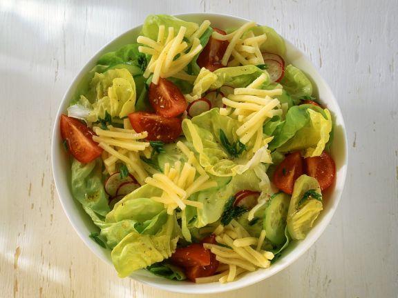 Bunter Salat mit Gouda