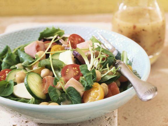 Bunter Salat mit Honig-Senfdressing
