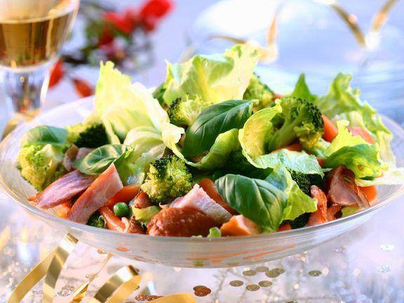 Bunter Salat mit Pute