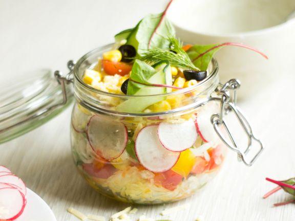 Schichtsalat mit Reibegenuss