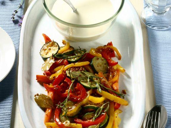 Buntes Gemüse mit Joghurtsauce