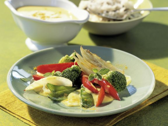 Buntes Gemüse mit pikanter Currysauce