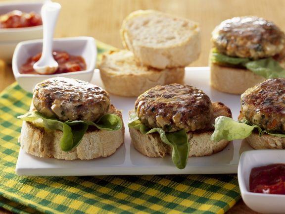 Burger aus Rindfleisch und Tofu