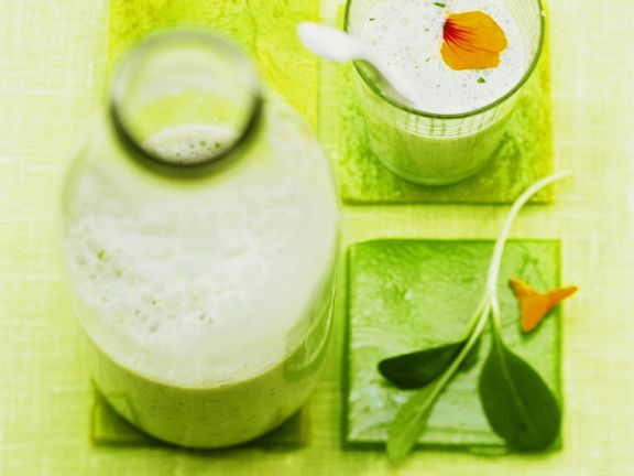 Buttermilch-Kräuter-Drink