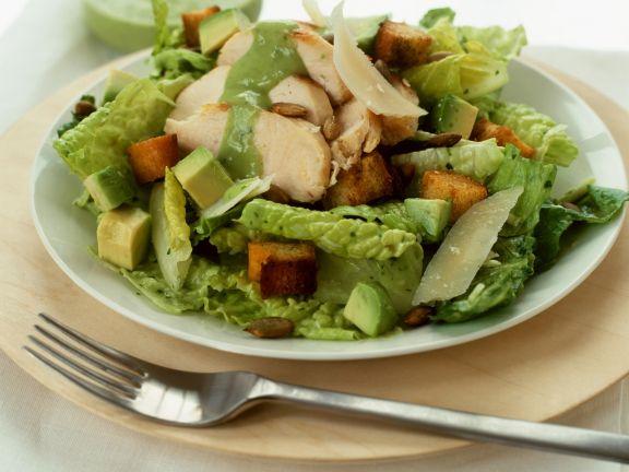 Cäsar Salad mit Avocado