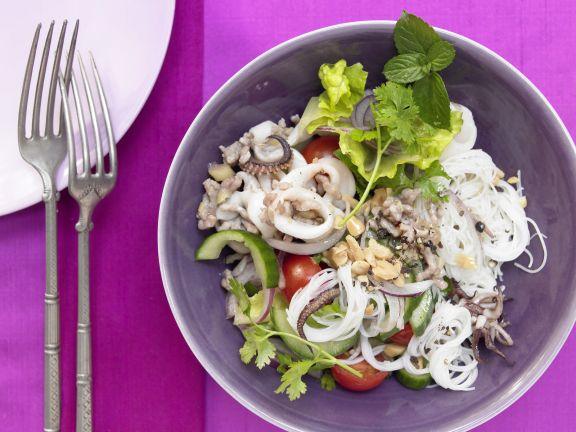 Calamari-Salat mit Reisnudeln