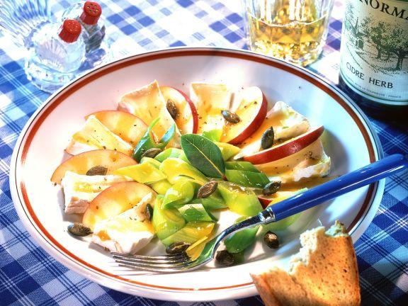 Camembert-Apfel-Salat mit Lauch