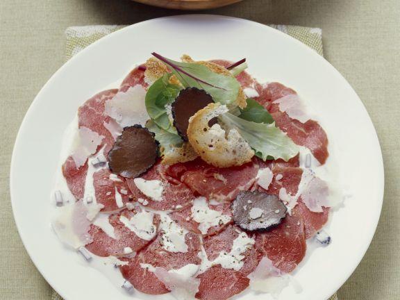 Carpaccio vom Rind mit Parmesan und Trüffel