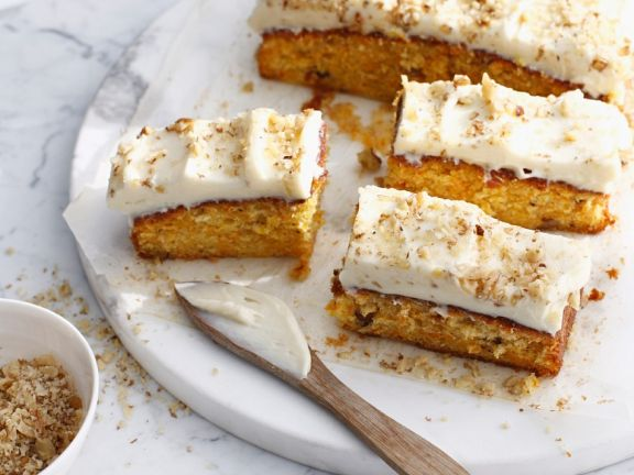 Carrot cake mit Frosting
