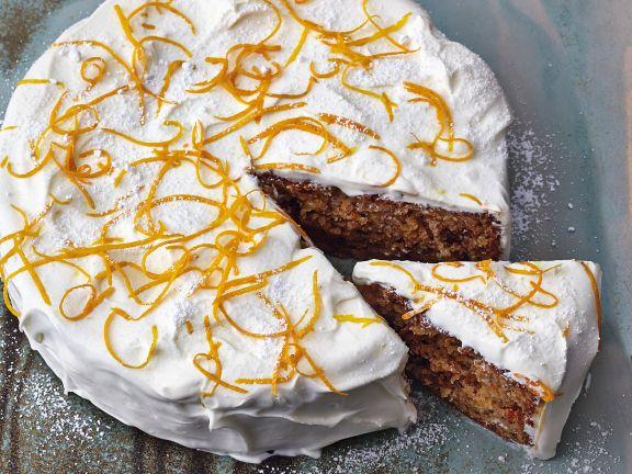 Carrotcake mit Nüssen und Frischkäsecreme
