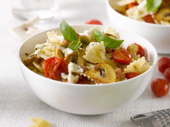 Champignon-Nudeln mit Tomaten und Basilikum