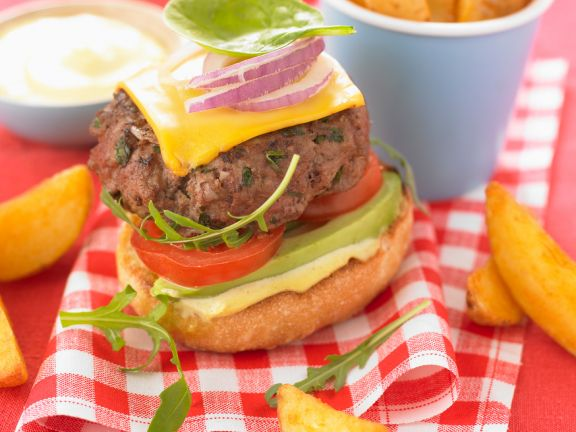 Cheeseburger mit Avocado