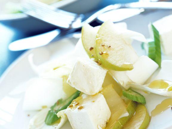 Chicoréesalat mit Schafskäse und Birne