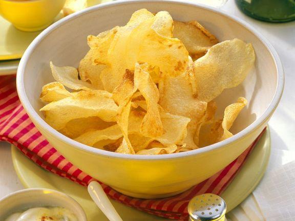 Chips mit Saucen