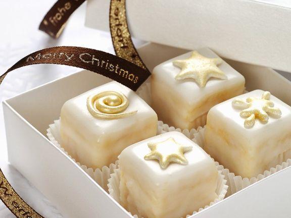 Christmas-Petit-Fours