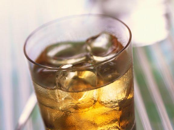 Cognac Drink mit Minzlikör