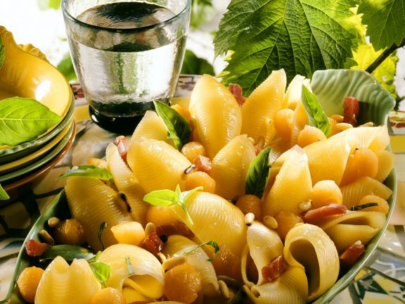 Conchiglione-Salat mit Speck und Melone