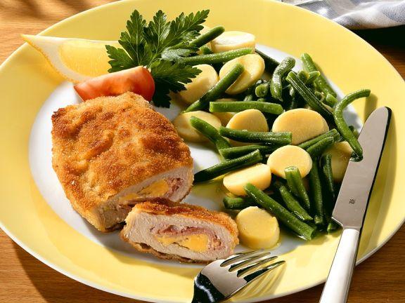 Cordon Bleu mit Gemüsesalat