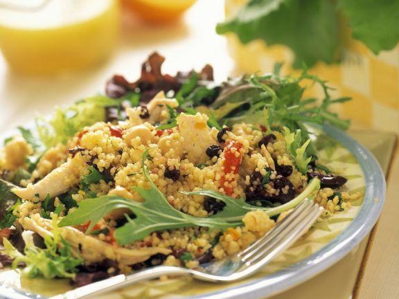Couscous-Hähnchen-Salat mit Rucola und Sultaninen