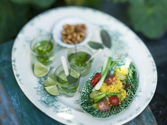 Couscous-Minz-Salat und Tee
