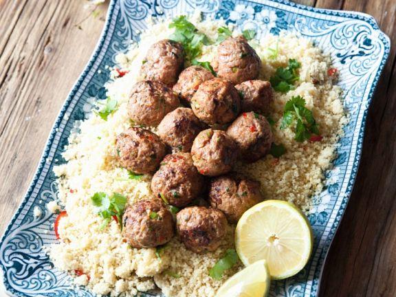 Couscous mit Lammhackklößchen