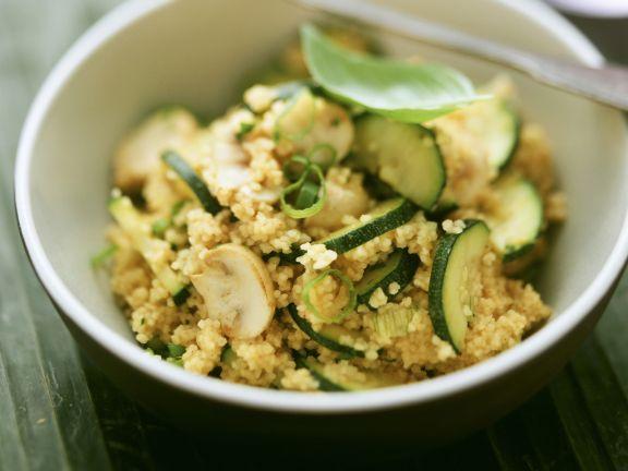 Couscous mit Pilzen und Zucchini