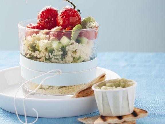 Couscousalat mit Kirschtomaten und Gurke