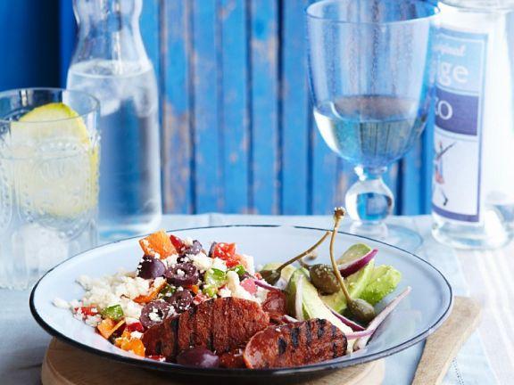 Couscoussalat mit Avocado und spanischer Wurst