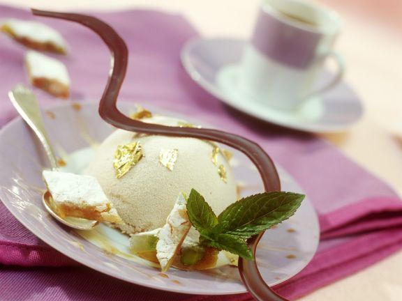 Crema bianca al Panforte (Sahnedesser mit Panforte, Italien)