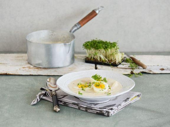 Cremige Schwarzwurzelsuppe mit Ei