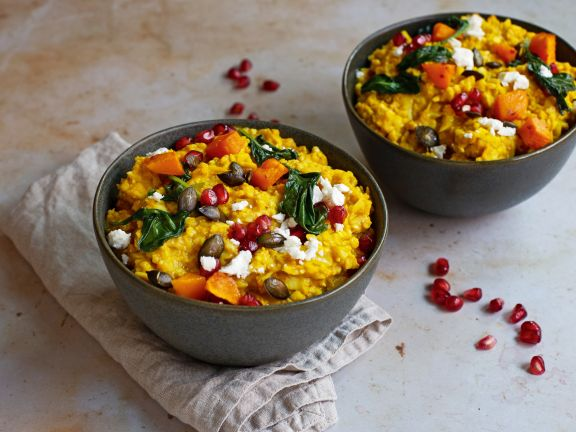 Cremiges Blumenkohl-Kürbis-Curry mit Spinat