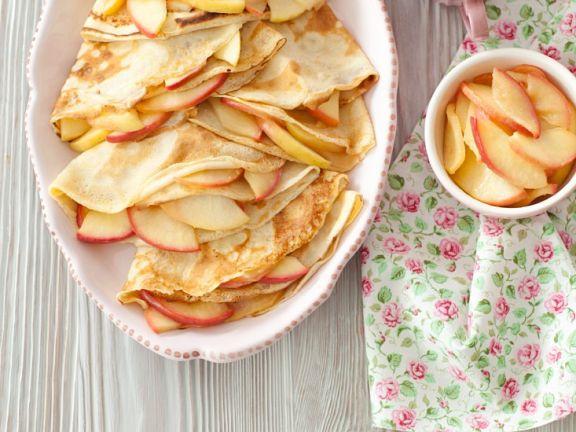 Crêpes mit Äpfeln