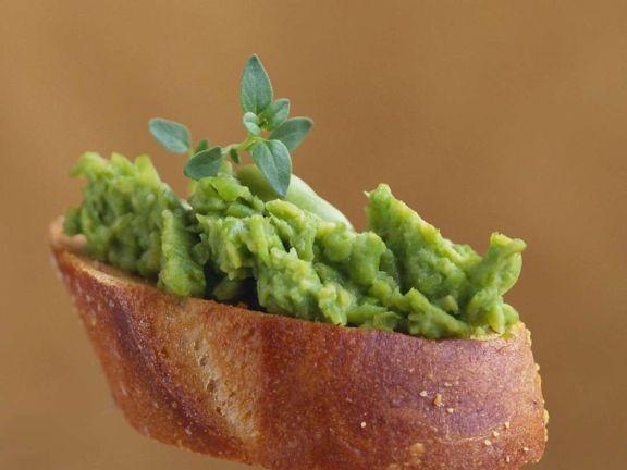 Crostini mit Avocadopüree