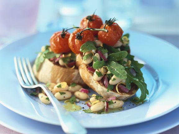 Crostini mit Bohnen und gegrillten Tomaten