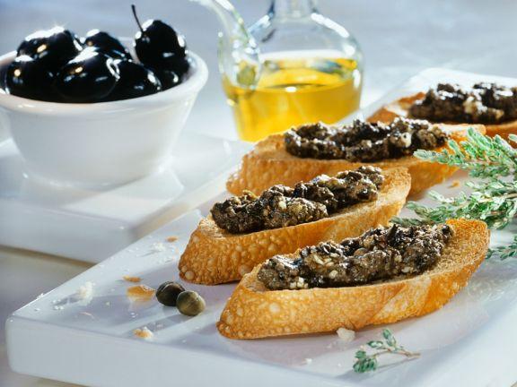 Crostini mit Tapenade
