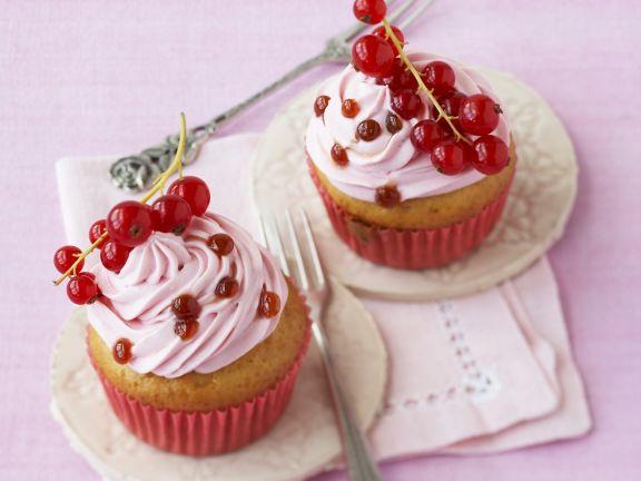 Cupcake mit Johannisbeeren