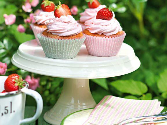 Cupcakes mit Erdbeer-Frosting