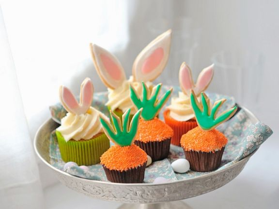 Cupcakes mit österlicher Dekoration