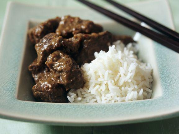 Curry mit Rindfleisch dazu Reis