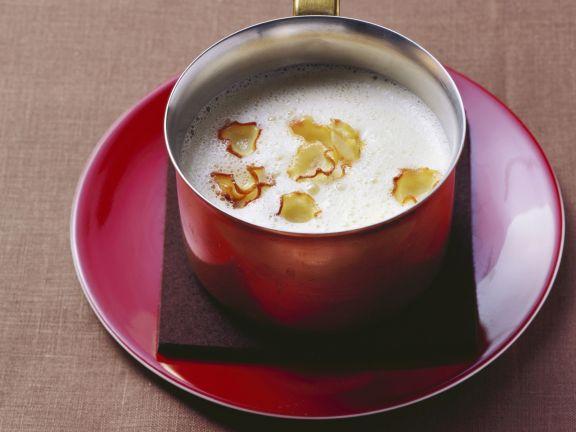 Curry-Sellerie-Suppe mit geräucherter Gänsebrust
