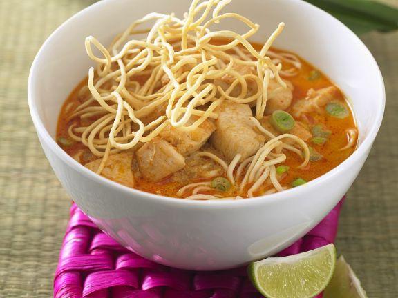 Currysuppe mit Hähnchen