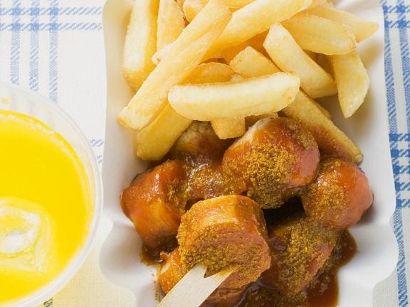 Currywurst mit pommes kcal